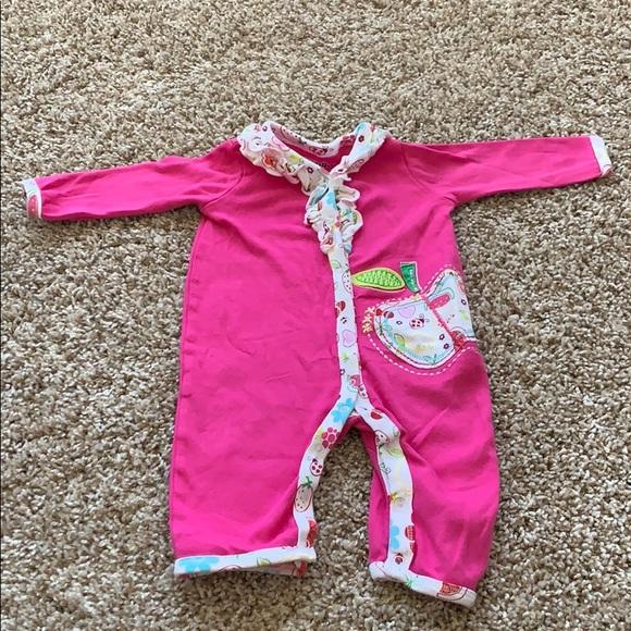BabiesRUs Other - Baby girl onesie